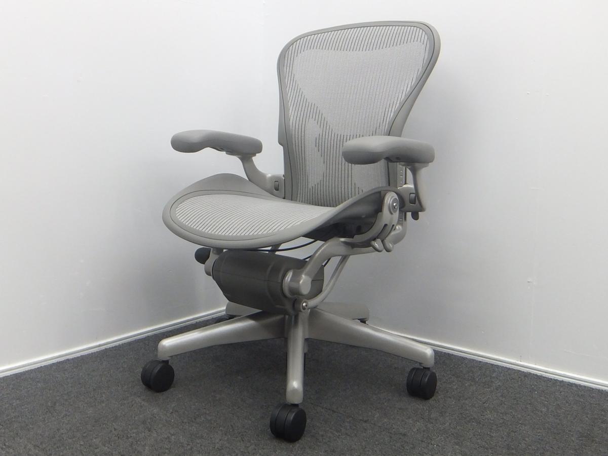 Herman Miller ハーマンミラー Aeron Chairs アーロンチェア Aサイズ チタニウムベース フル装備